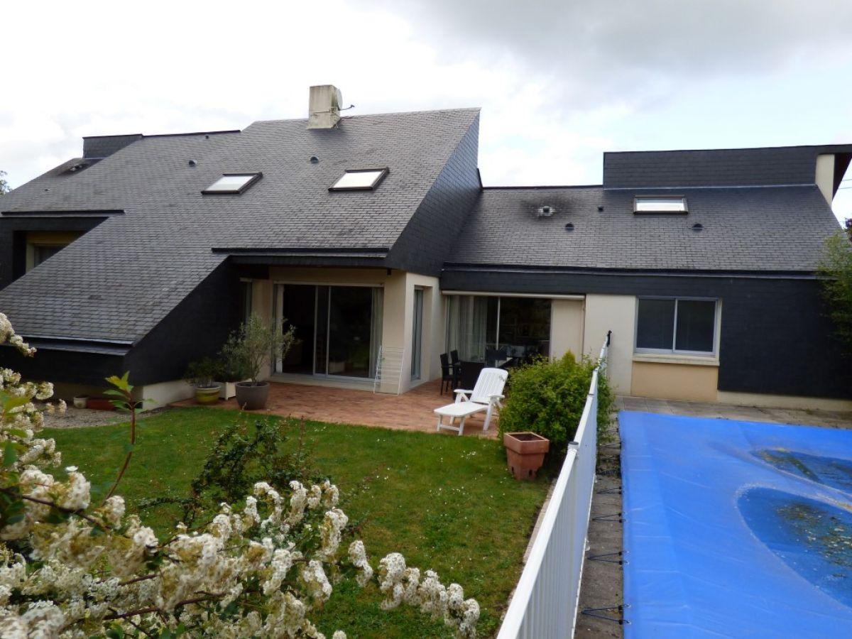 Maison d 39 architecte 5 chambres villa axe sabl 72 for Piscine mayenne