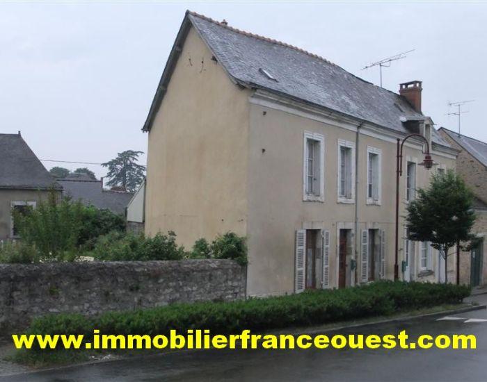 immobilier Sarthe (72):Maison de village 15 minutes Sablé-sur-Sarthe