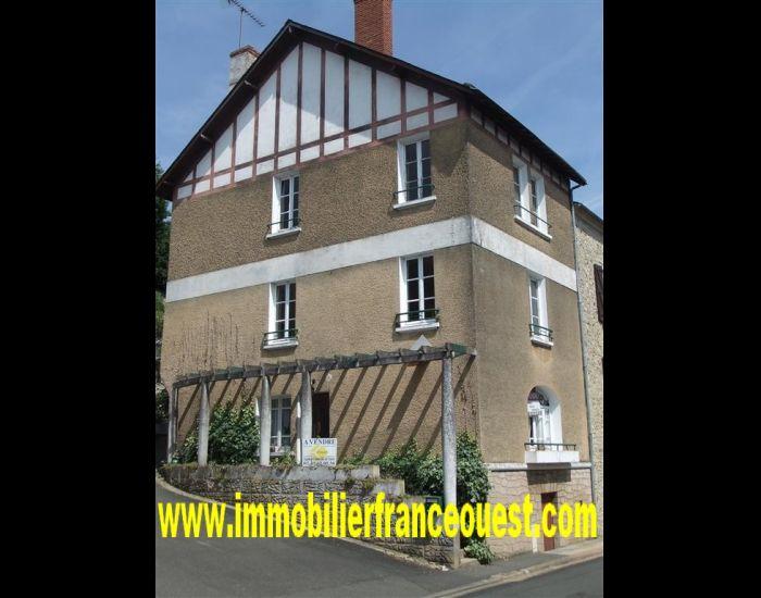 immobilier Sarthe (72)Maison villageoise  6 pièces - 12 Minutes Sablé vue sur rivière