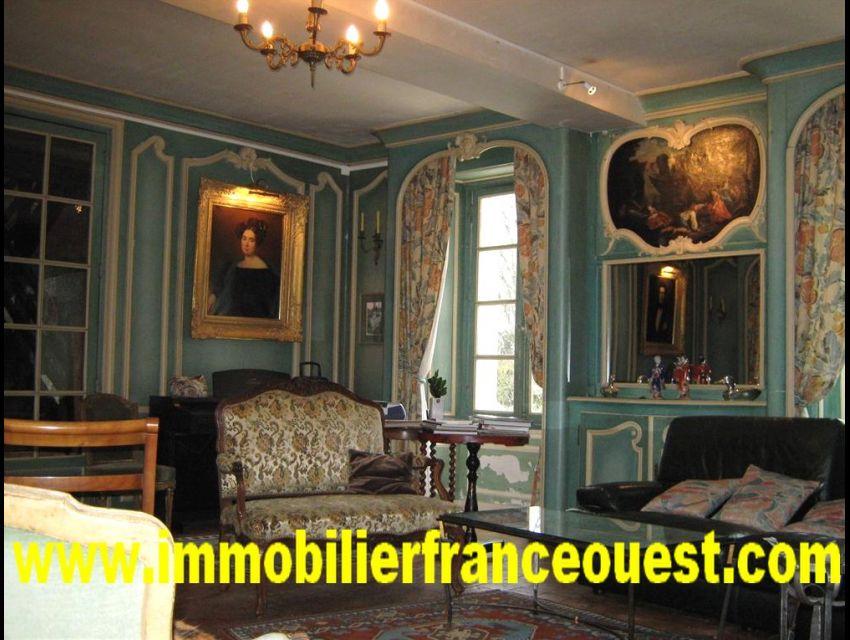 immobilier Sarthe (72):Chateau XIX en Anjou (20 Minutes d'Angers)