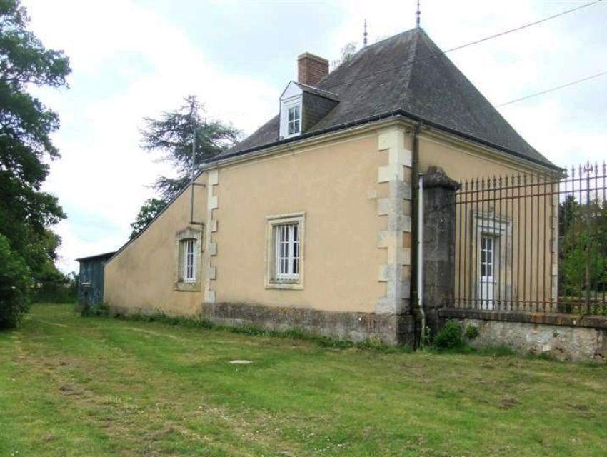 Chantenay Villedieu 20 minutes sablé sur sarthe maison individuelle 1 chambre jardin clos et hangar