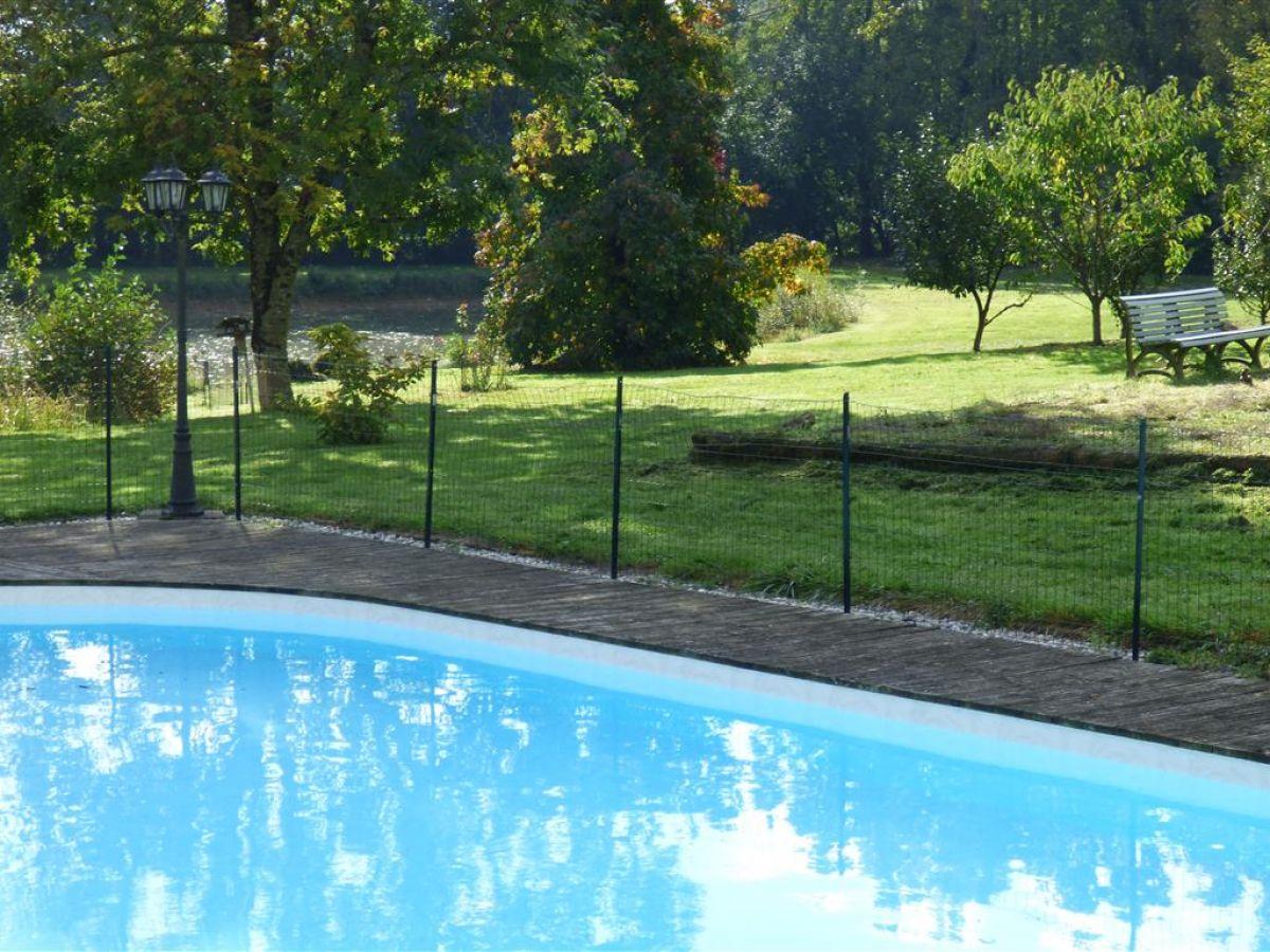propri t en campagne proche le mans et lou avec piscine et tang belles demeures fermettes. Black Bedroom Furniture Sets. Home Design Ideas