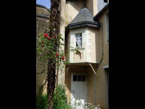 maison de caractere centre ville Sablé sur Sarthe (72300) - tourelle à vendre