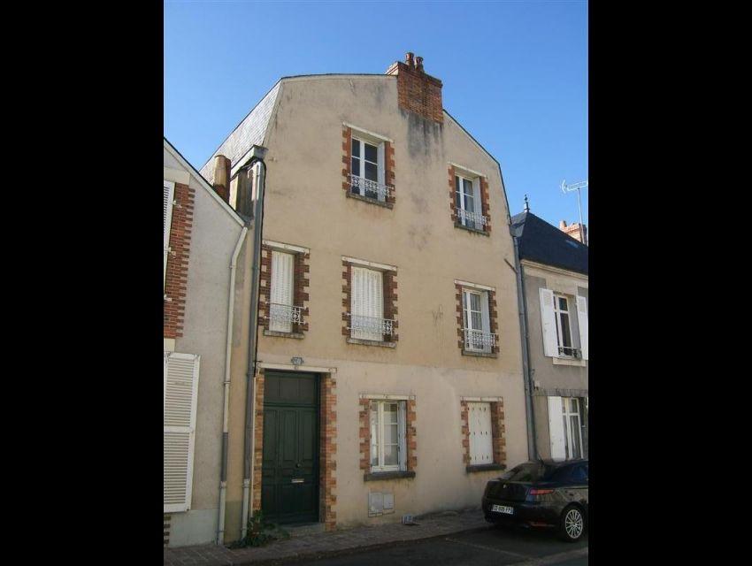 Sablé Sur Sarthe - appartement meublé et équipé, une chambre, proche toutes commodités