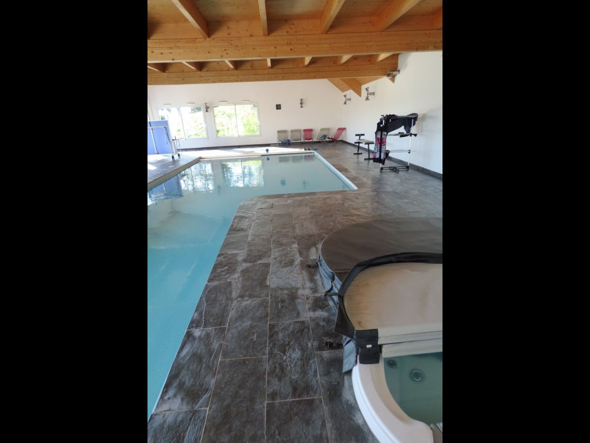 Villa contemporaine mayenne 53 maison de grand for Design piscine le mans