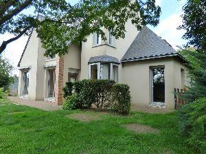 Pavillon contemporain - Malicorne sur Sarthe - 72270 - terrasse - jardin paysager - garage et dépendance à vendre