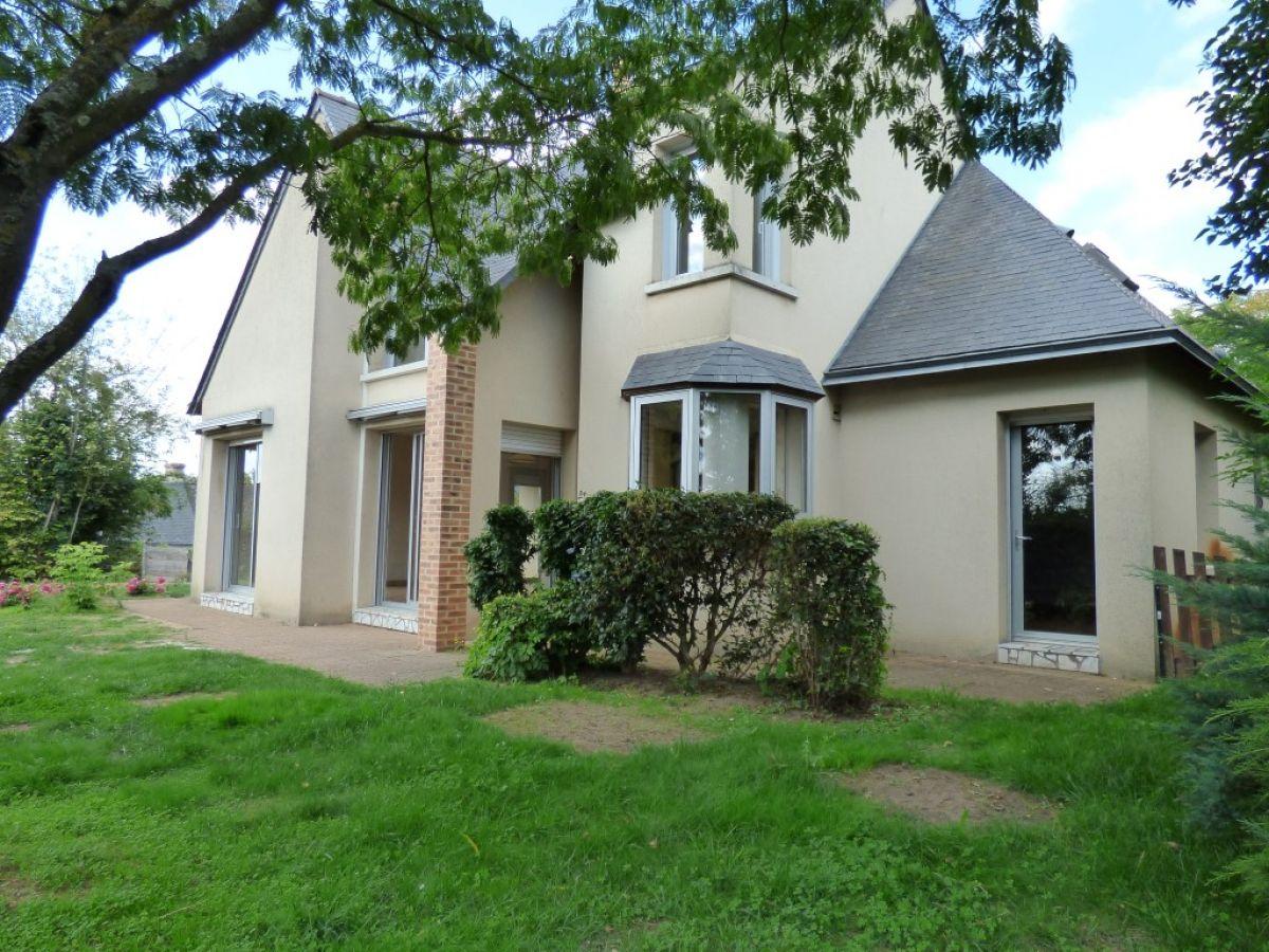 Constructeur maison contemporaine le mans maison moderne for Constructeur maisons contemporaines