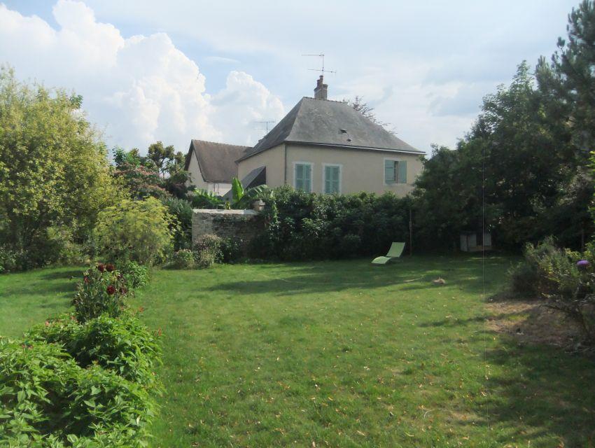maison à louer avec vue sur rivière 72300 Parcé sur Sarthe 9 minutes Sablé