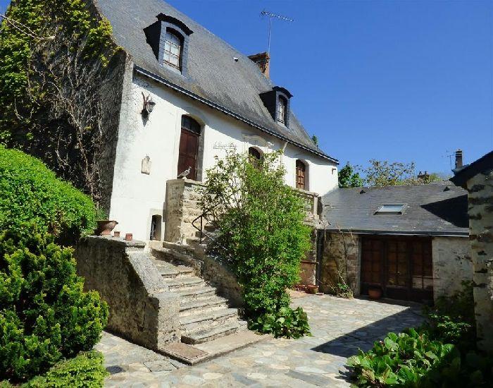 maison et demeure historique - ancienne auberge du XVème siècle -