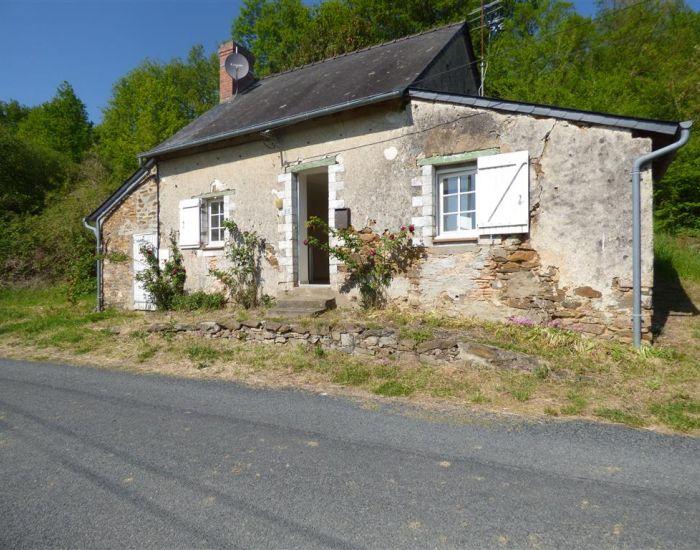 petite maison en location proche de sable sur sarthe et gare sncf
