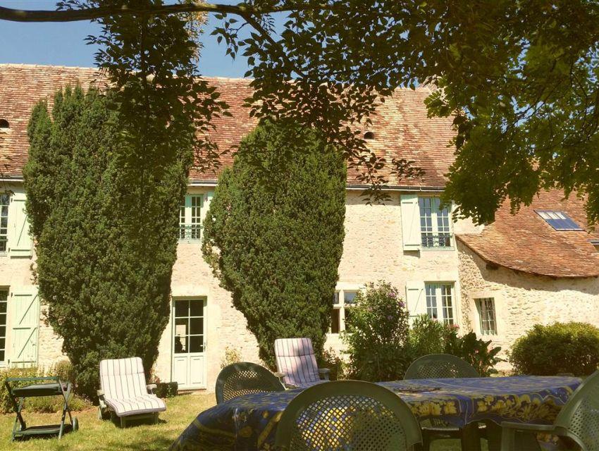 maison proche du Mans avec caractere et piscine - Possibilité gîte ou chambre d'hôtes.