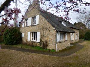 propriété familiale à Solesmes proche de l'Abbaye Saint Pierre à vendre
