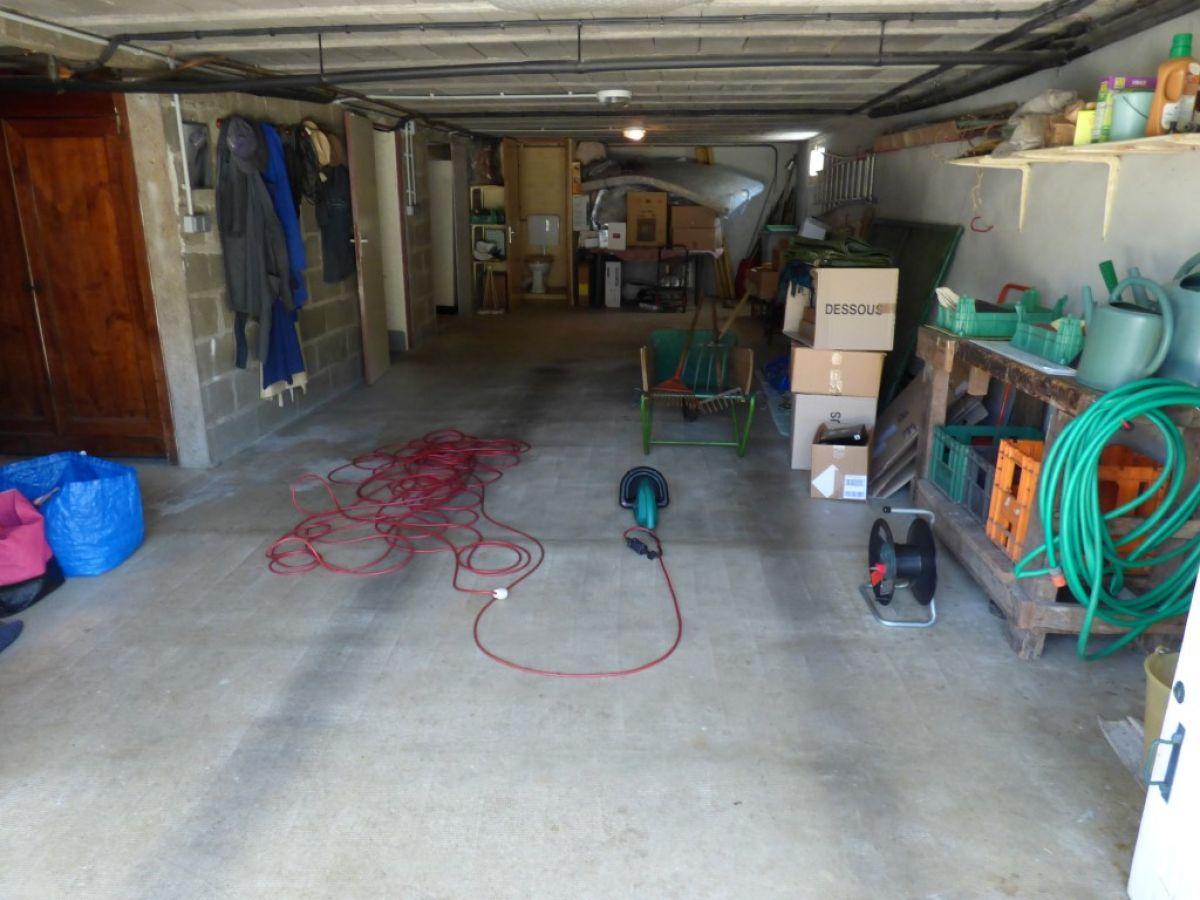 Maison individuelle sabl sur sarthe 72300 proche for Maison avec garage sous sol