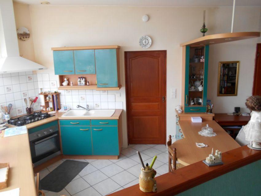 Maison de village avec jardin et garage Axe Le Mans-Sablé sur Sarthe proximité gare, écoles et commerces