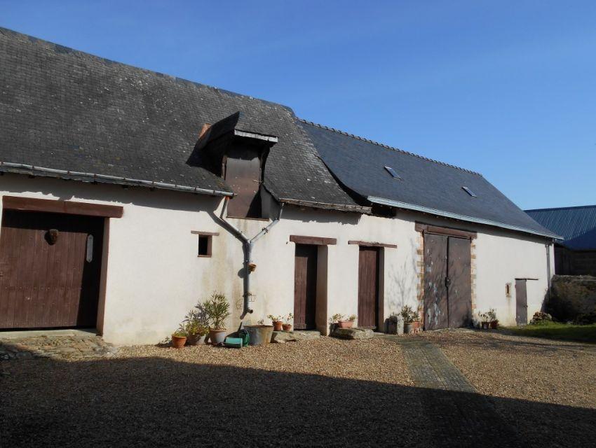 Maison de village avec dépendances proche de Sablé sur Sarthe
