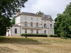 Manoir XVIIIème avec parc en bord de rivière - proximité - Sablé sur Sarthe 72300 à vendre