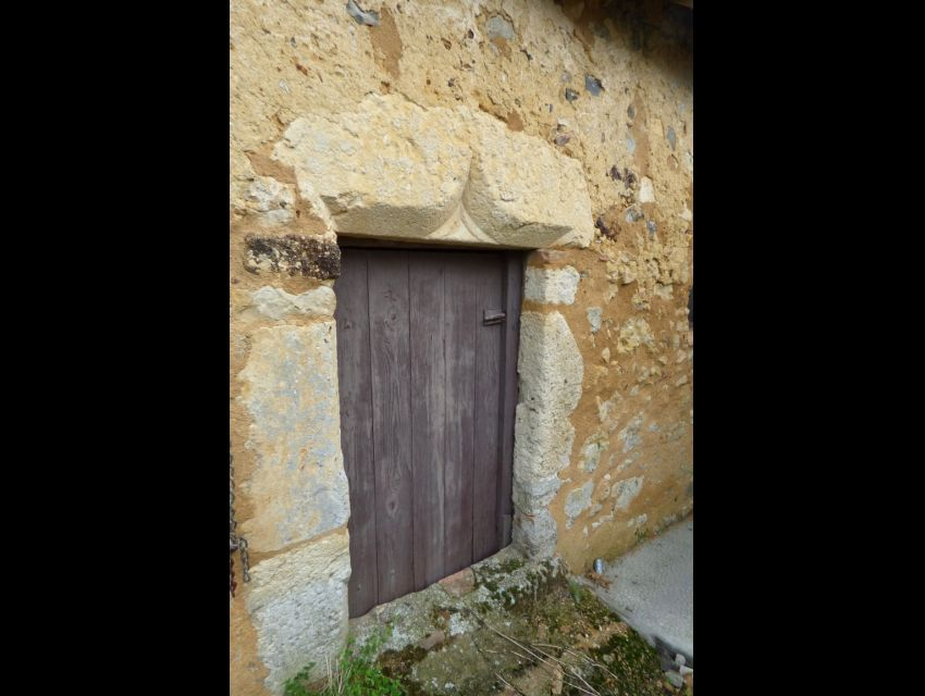 Linteau de porte origine XVème - Pierre de taille sculptée.