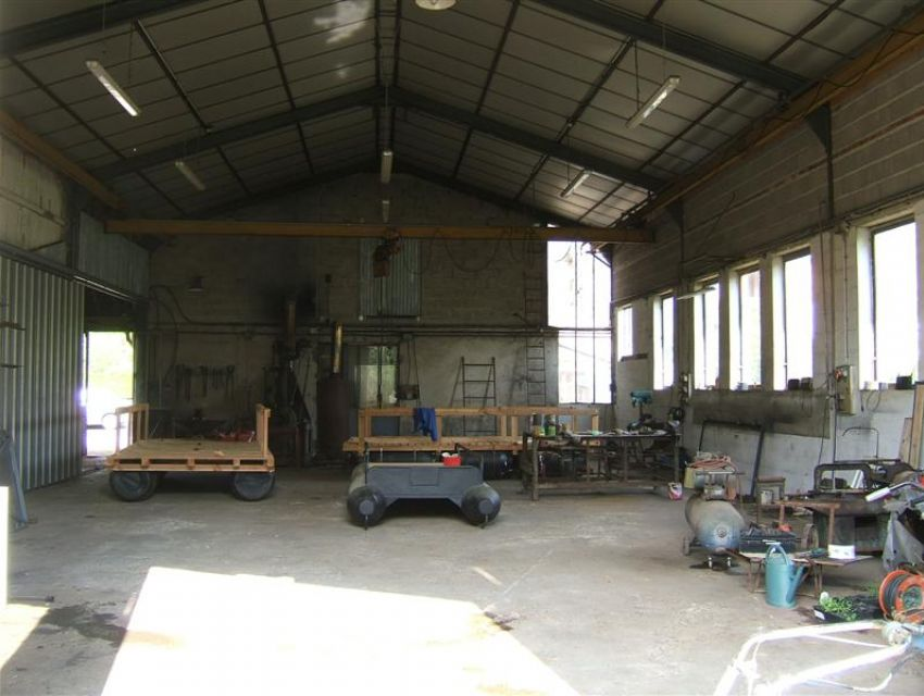 Local professionnel - usage artisanal 72300 Avoise - secteur Sablé sur Sarthe