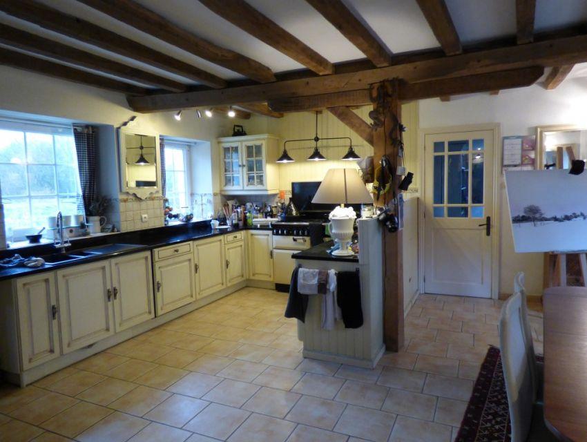 Longère restaurée à 8 minutes de La Flèche, cuisine aménagée avec espace repas