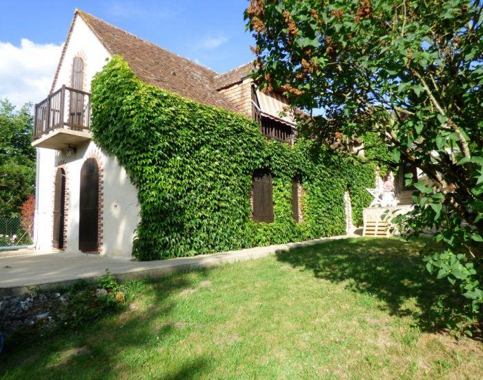 Malicorne sur sarthe-maison de caractere avec vue sur la riviere Sarthe