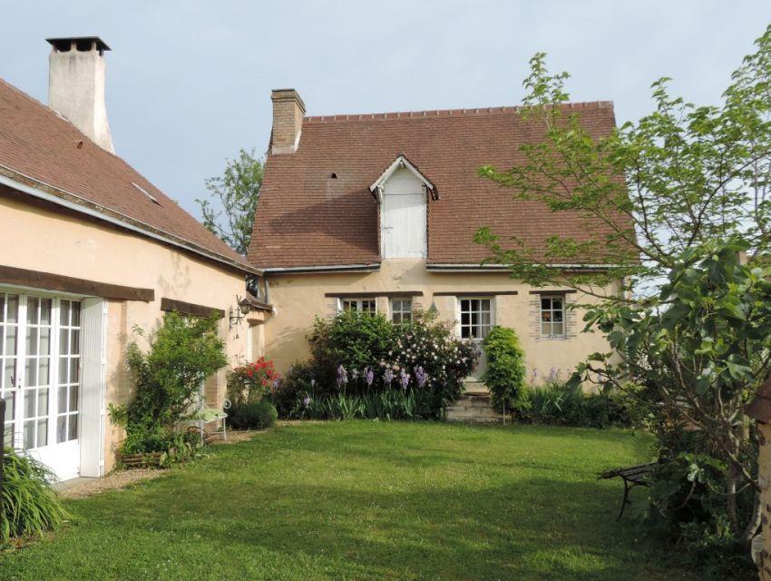 Charmante propriété villageoise au calme Maison ancienne restaurée chambre plain-pied jardin garage