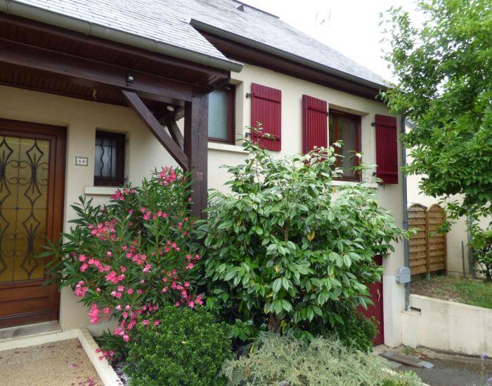 Sablé sur Sarthe, quartier calme proche des commerces Pavillon, 5 chambres avec garage et jardin