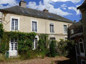 maison bourgeoise avec dependances jardin et garage Sablé sur Sarthe à vendre