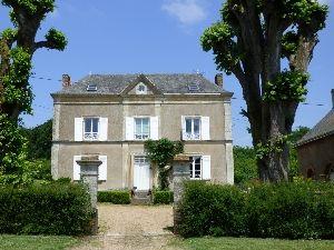 Propriété de caractère Axe Le Mans-Laval proche de Brulon Maison bourgeoise avec jardin et dépendances à vendre