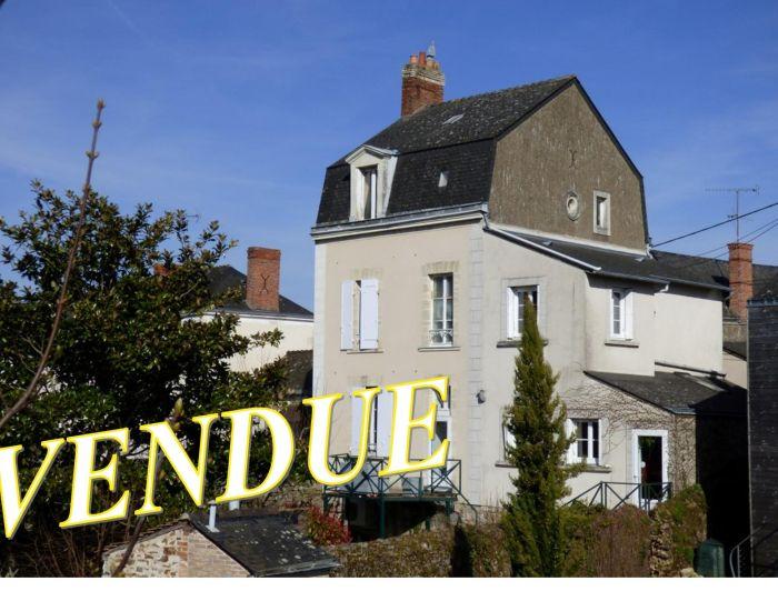 Sablé sur Sarthe - Place de la République (proximité) - maison de ville