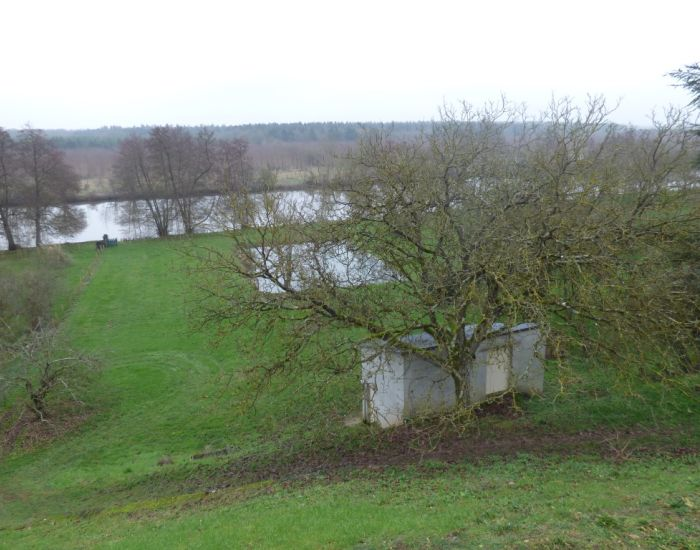 Pavillon avec vue dominante sur la rivière et la campagne 10 minutes Sablé sur Sarthe  he