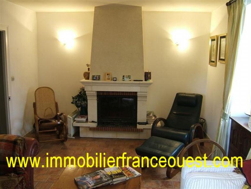 immobilier Sarthe (72):Asnières sur Vegre - Village médiéval classé 'cité de caractère'