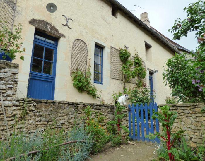 Maison vilageoise en pierre avec jardinet Région Le Mans