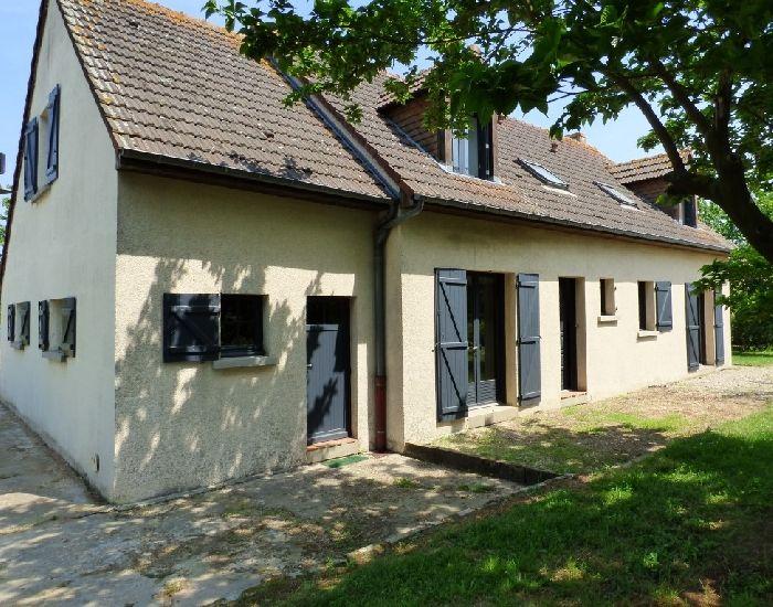 xe Sablé (10mn)-La Flèche Pavillon 4 chambres dont une et salle de bains en plain-pied, garage, dépendances,