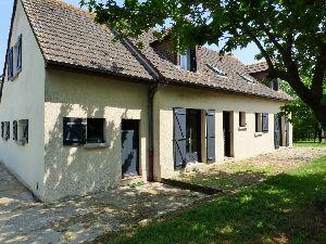 xe Sablé (10mn)-La Flèche Pavillon 4 chambres dont une et salle de bains en plain-pied, garage, dépendances,  à vendre