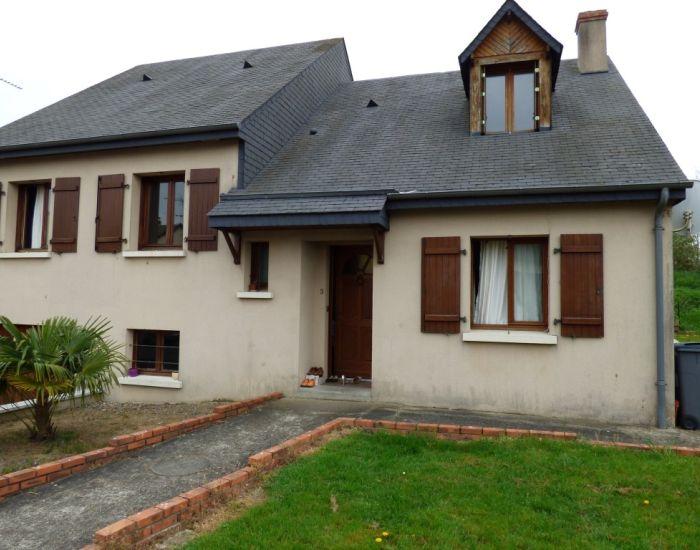 Sablé sur Sarthe (72300) - Pavillon 5 pièces principales