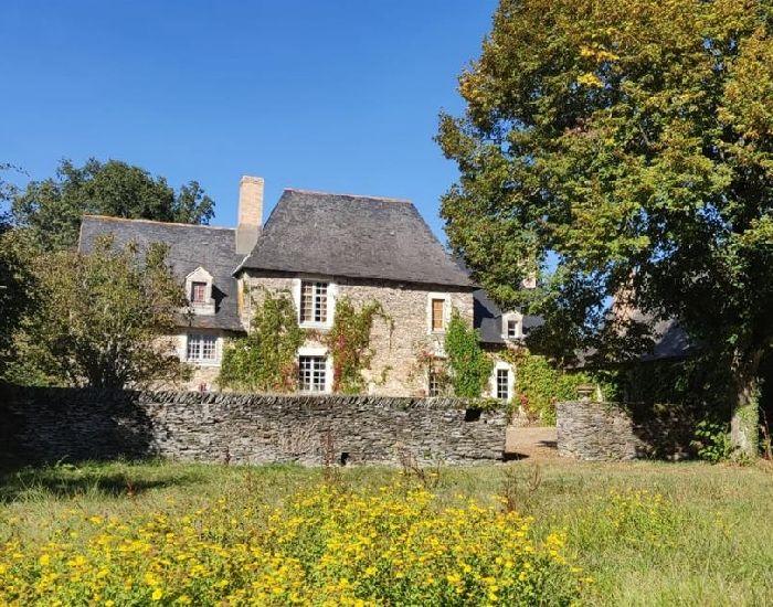 manoir en Anjou - Région d'Angers - Axe Sablé-sur-sarthe Angers.