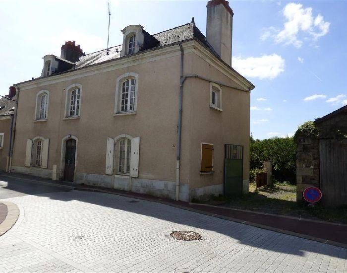 maison de caractère à Sablé sur Sarthe avec terrain en bord de rivière 'la Sarthe'