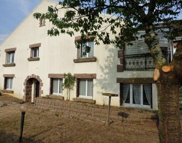 Proximité centre ville Sablé-sur-Sarthe, maison 5 chambres, garage, jardin, proche commerces et écoles