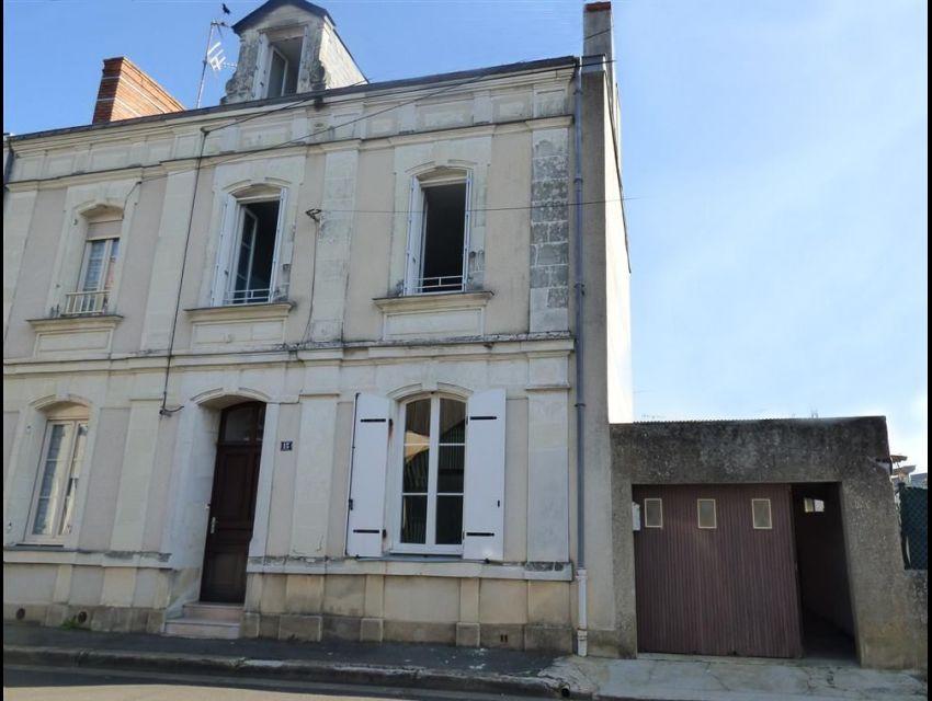 Maison de centre ville - Sablé Sur Sarthe (72300) - avec cour et garage