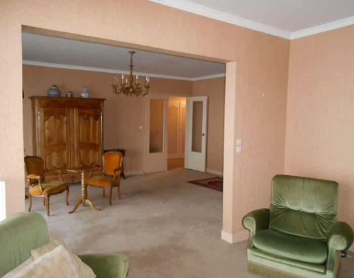 Appartement résidentiel 4 pièces principales Séjour et salon avec baies ouvrant sur grande terrasse