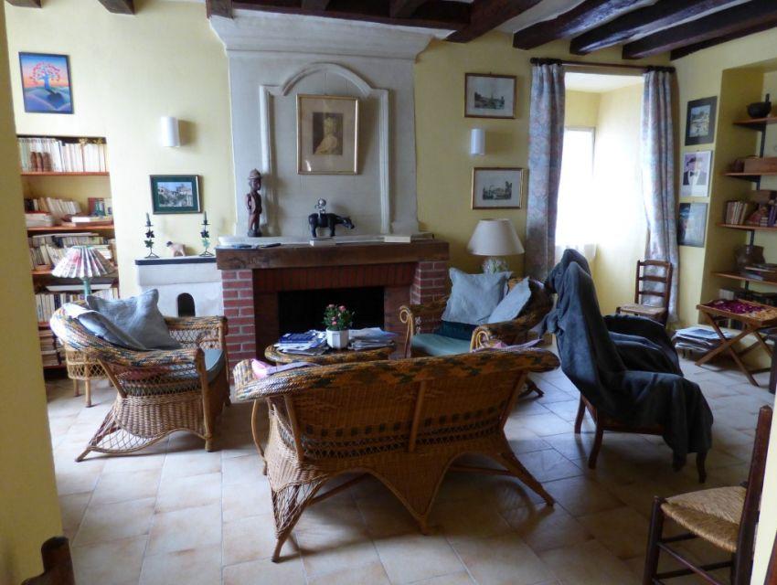 Maison de caractère - 72300 SOLESMES salon séjour