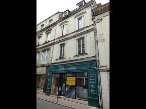 magasin et immeuble Sablé sur Sarthe centre ville  à vendre
