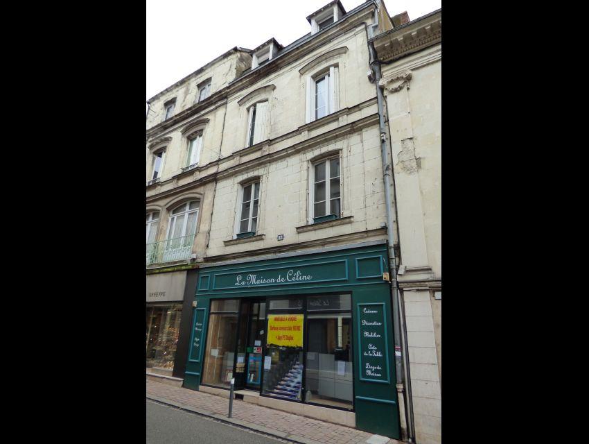 magasin et immeuble Sablé sur Sarthe centre ville