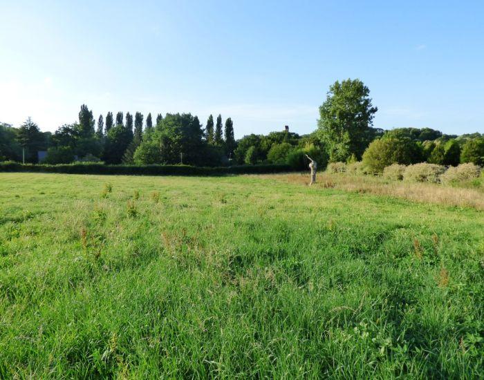 Solesmes, 6 minutes centre ville Sablé-sur-Sarthe, terrain à bâtir, hors lotissement