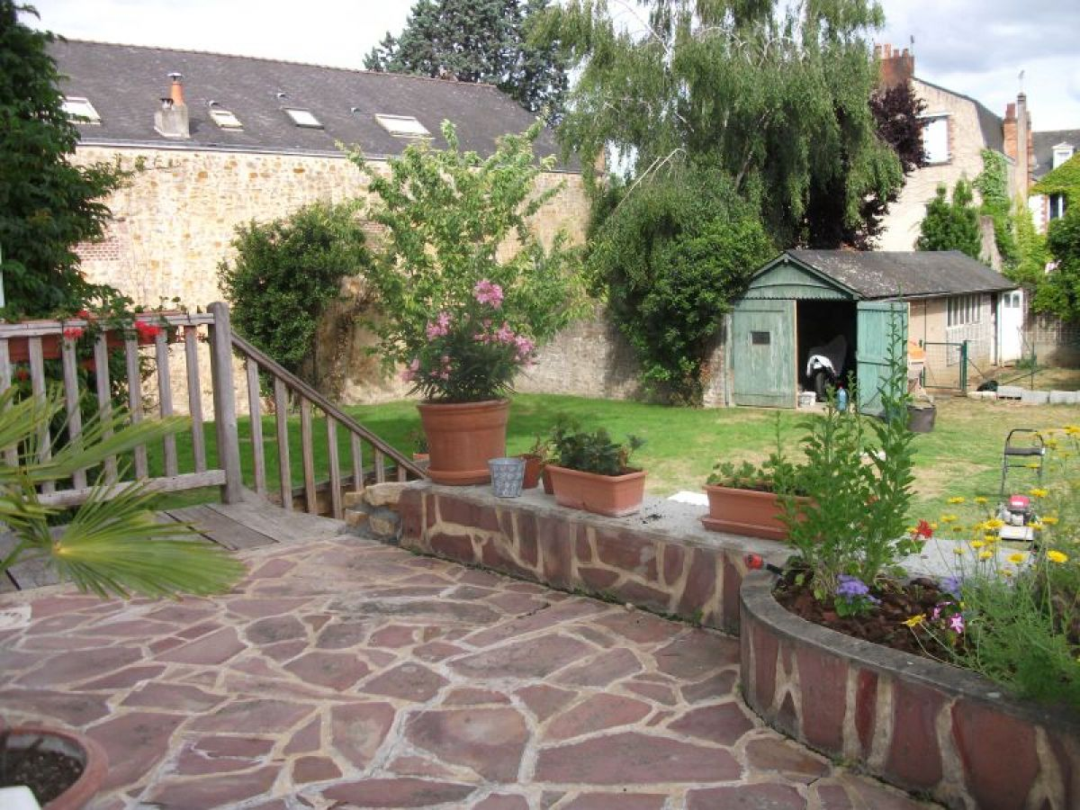 Belles demeures local commercial ou professionnel for Terrasse jardin immobilier