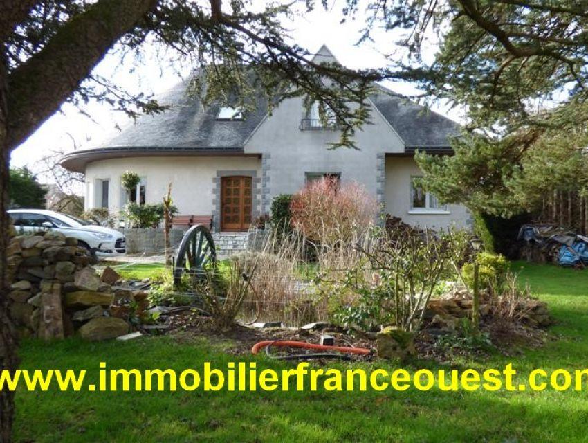 immobilier Pays de Loire - Immobilier Sarthe (72) : Villa spacieuse et confortable Sablé sur Sarthe (1h15 Paris TGV)