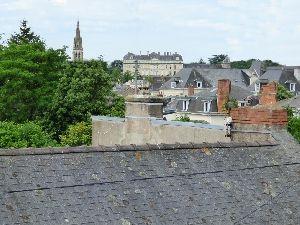 maison de ville avec vue sur le château de sablé à vendre