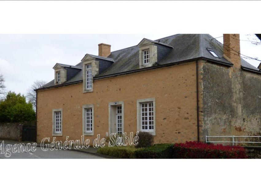 Maison de Maître  en Sarthe secteur Brulon - Région Sablé -  Mans