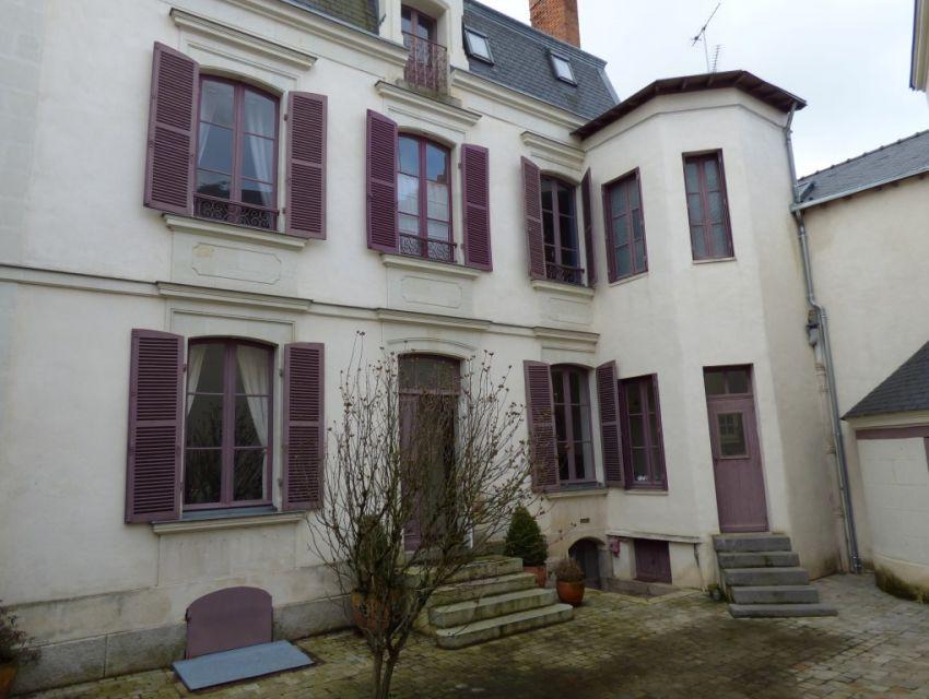 Maison bouregoise sablé sur sarthe centre ville