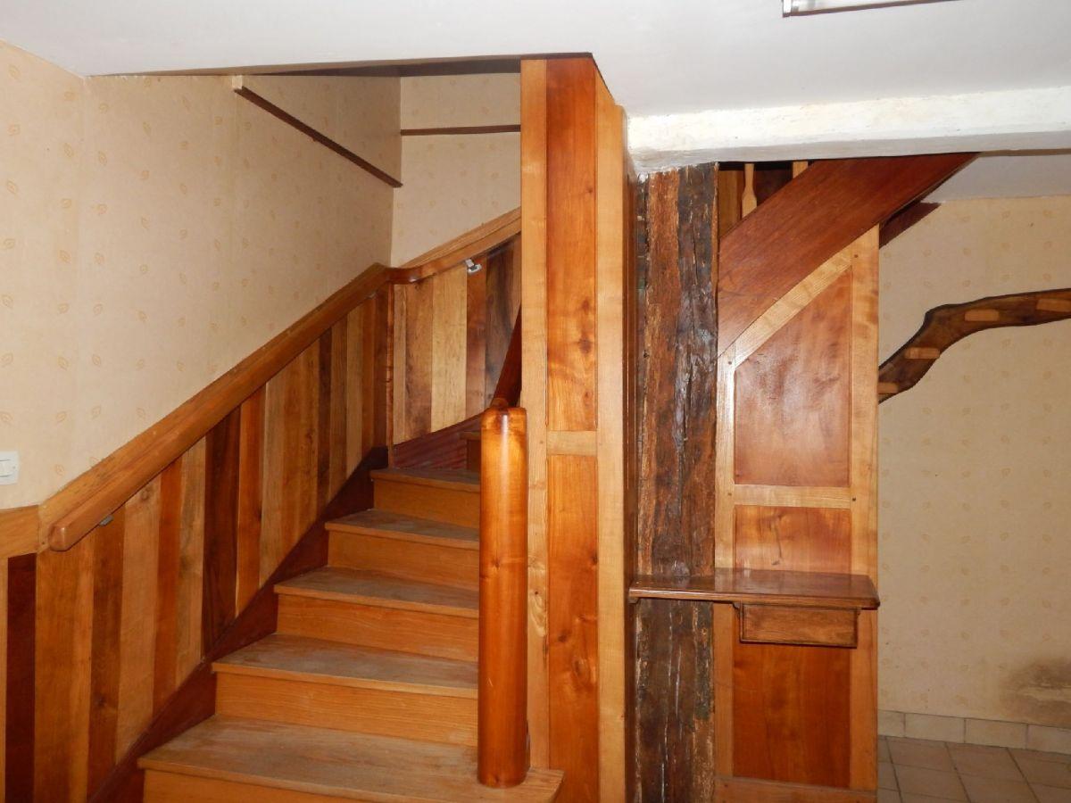 Escalier Dans Maison Ancienne maison sablé sur sarthe centre ville avec jardin et garage